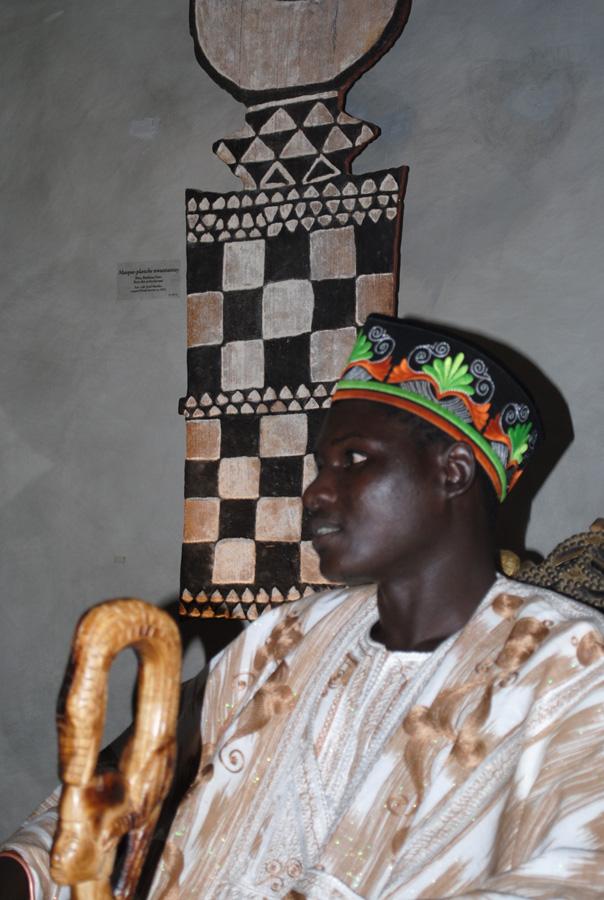 Sa Majesté Tukpã Batou, 29e roi des Gan. Photo Luis Lourenço.