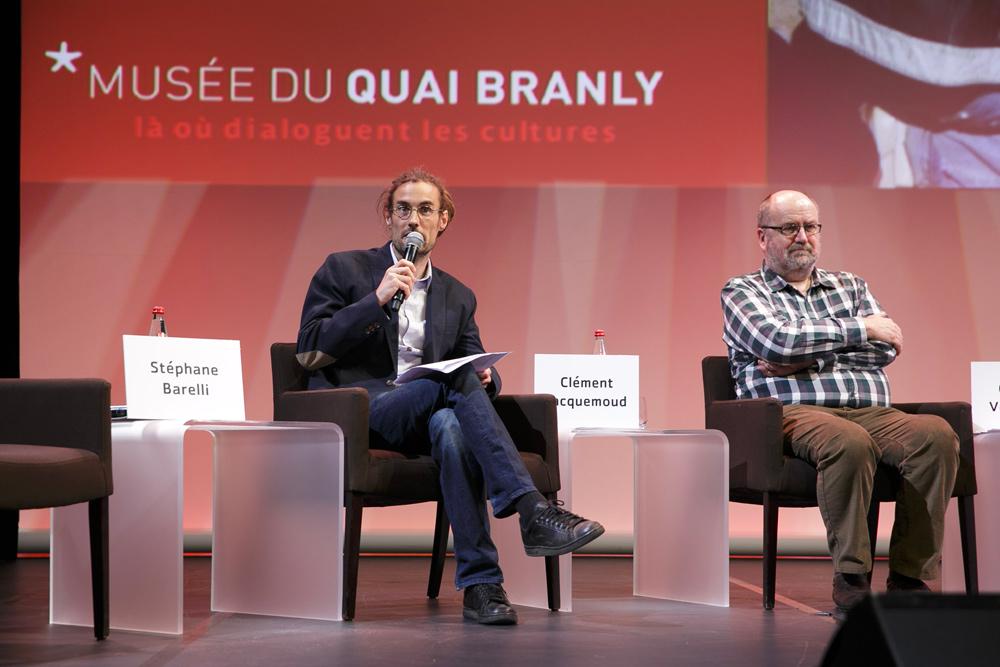 Clément Jacquemoud et Gustaaf Verswijver, chercheurs de la Fondation culturelle Musée Barbier-Mueller.